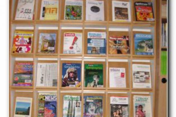 bibliothek-262FC3827A-ECB0-D2A9-6369-9E5D7D02D162.jpg