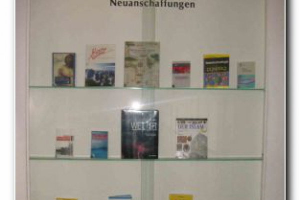 bibliothek-35A7D2970C-AF11-C18B-73C7-4828C7CB357A.jpg