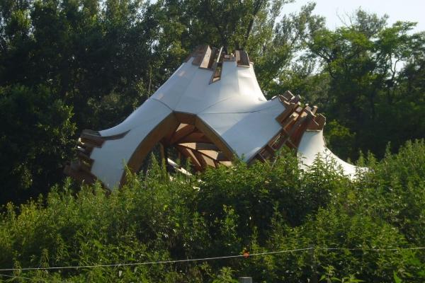 8-kuenstlerische-gartenlaube-eines-polnischen-architekten9BD18E5E-966A-527F-4348-8D7B45A01B61.jpg